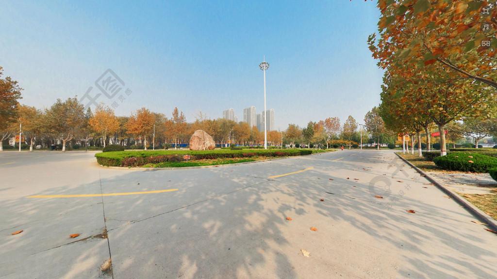 秋日金色校園美麗攝影圖