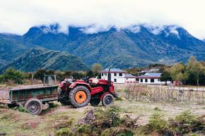 风景摄影田园风光拖拉机