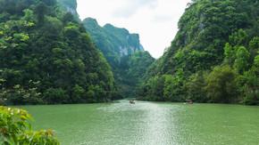 碧水青山美丽的山水间壮阔自然