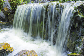 自然风景流水瀑布背景摄影素材