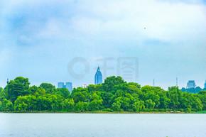 自然风景湖面树林倒影地平线