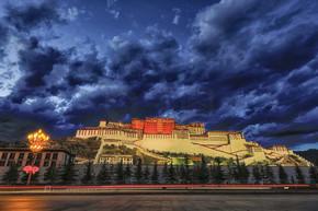 中国西藏布达拉宫夜色