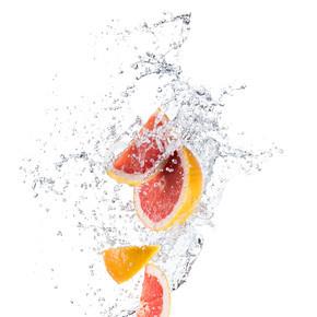 柚子水飞溅的碎片
