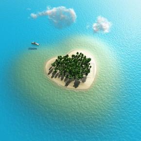 心形的热带小岛鸟瞰图