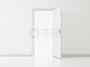 白墙,图上的白色门打开