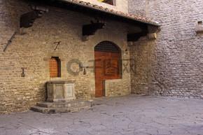 但丁的房子
