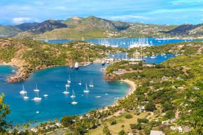 安提瓜湾鸟瞰图,法尔茅斯湾,英语海港、 安提瓜