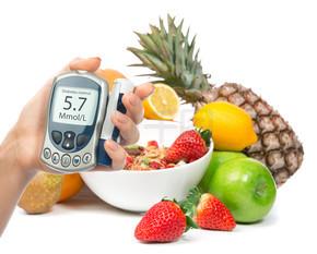 糖尿病糖尿病概念血糖仪在手和健康组织