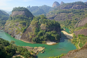 中国福建省武夷山市的峡谷