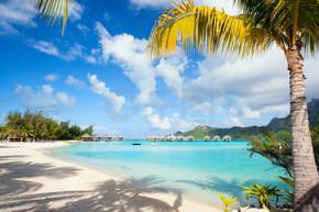 完美的海滩上波拉波拉岛