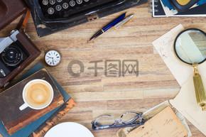 桌上的打字机