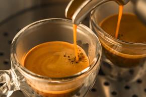 较强的特浓咖啡的主流