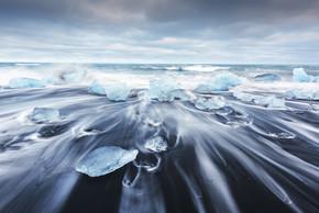 钻石海滩上的冰山碎片