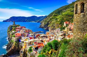 多彩村 vernazza 在五渔村的风景视图