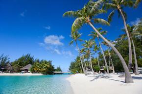 在波拉波拉岛上美丽的海滩